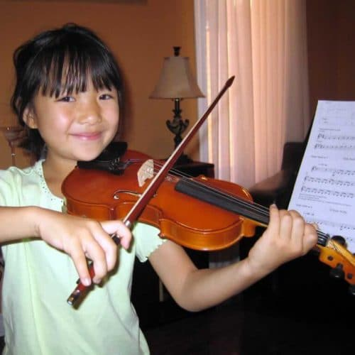 oakville_violin_student_playing-1-1024x768